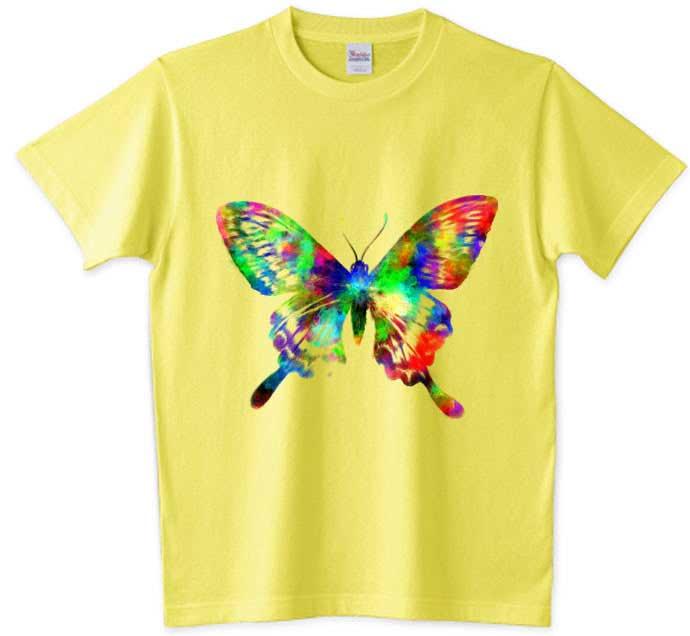 手描きのガーリー蝶々のTシャツ