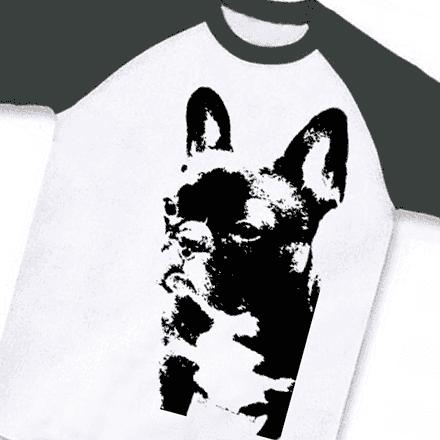 マットなブラックのラグラン版画風フレンチブルドッグTシャツ