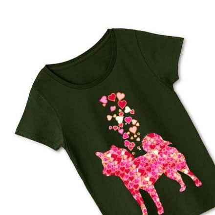 ブラックボディーレディース柴犬とハートマークTシャツ