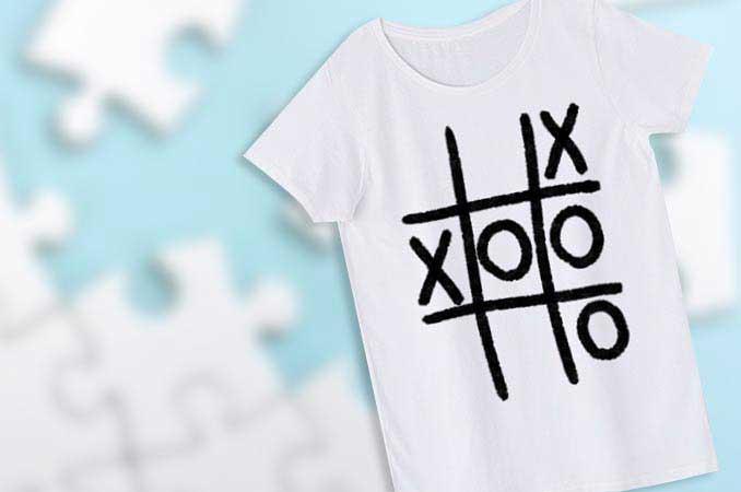 変なまるばつゲームTシャツ