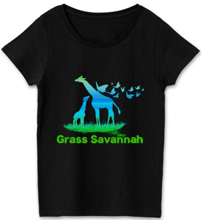 キリンとチョウチョのアートなデザインTシャツ