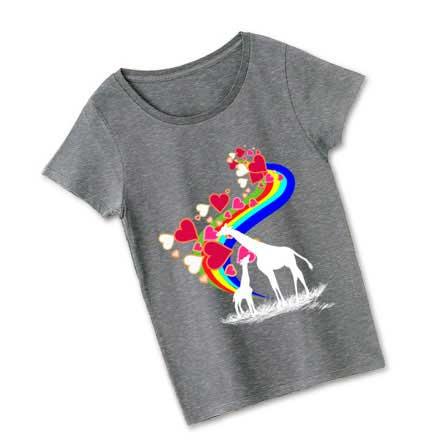 グレーボディの虹とキリンのTシャツ