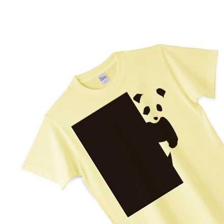 うすい黄色のドアパンダTシャツ