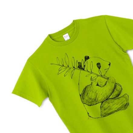 グリーンベースの手描きパンダTシャツ