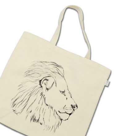 手描きのライオントートバッグ
