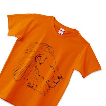 オレンジの手書きのライオンTシャツ